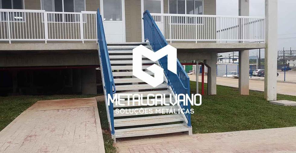 Escada metalica metalgalvano (2).jpg