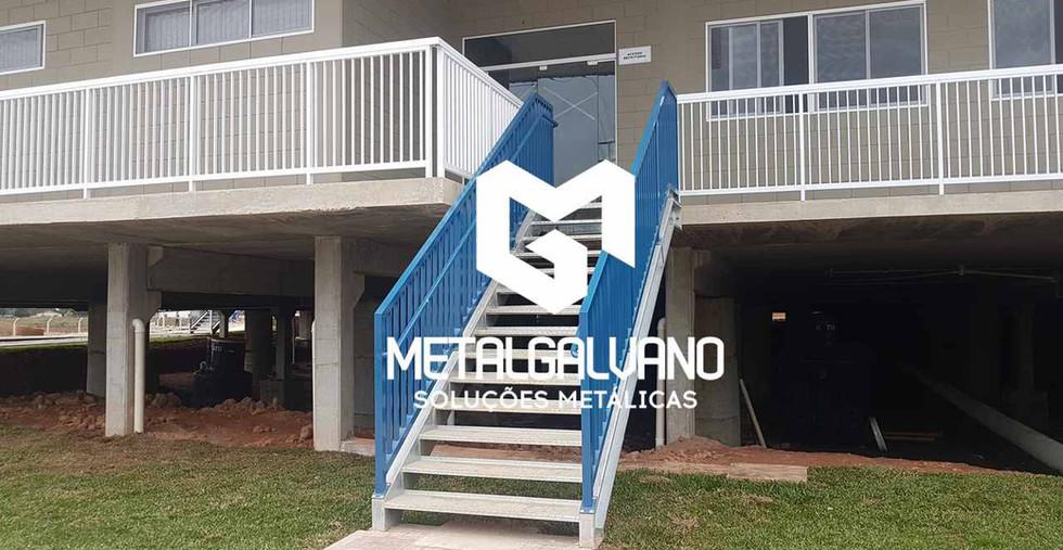 Escada metalica metalgalvano (1).jpg