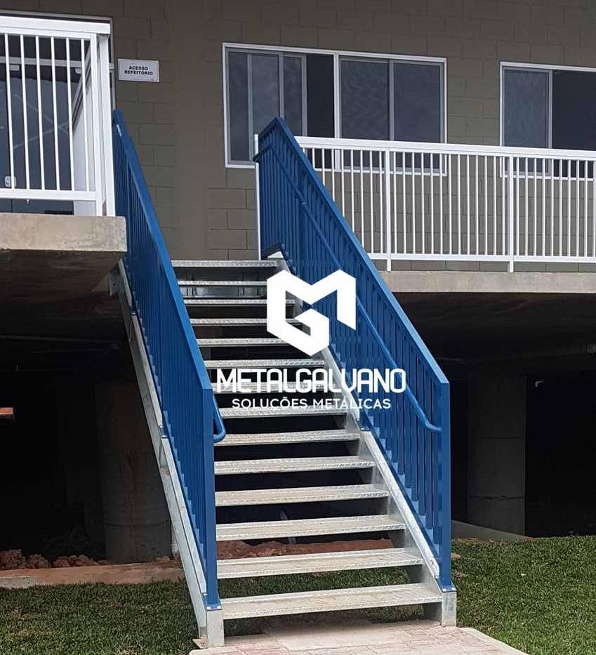 Escada metalica metalgalvano (4).jpg
