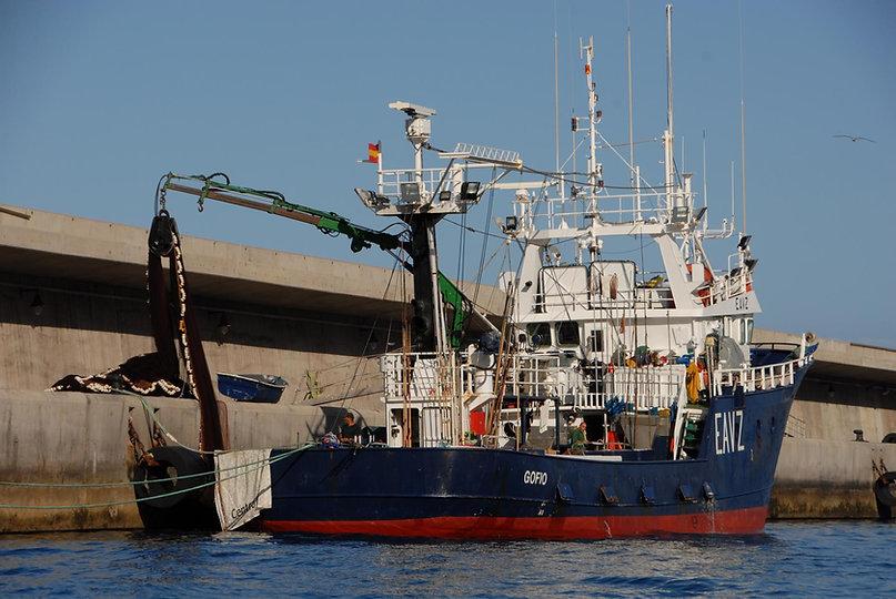 Fischerboot im Hafen von Valle Gran Rey
