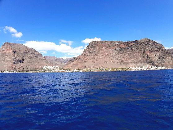 Die Insel La Gomera vom Meer aus