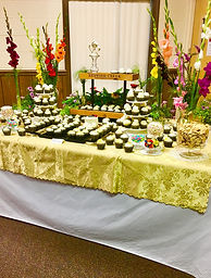 Hall wedding photo cupcake table (2).jpg