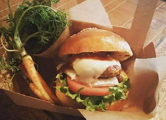 有機野菜とアグー豚とチーズフォンデュのハンバーガー.JPG