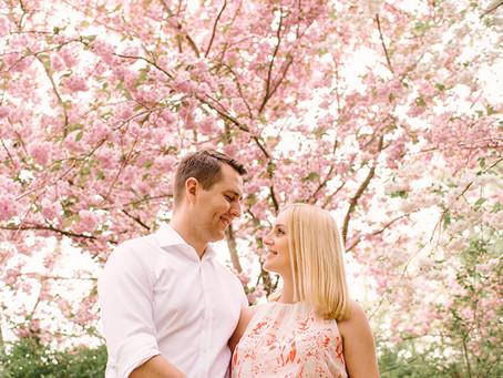 Sesja brzuszkowa wśród magnolii | Ania i Radek