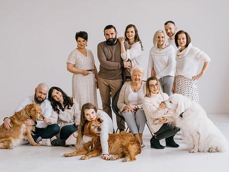 Pokoleniowa sesja rodzinna z psiakami | Studio Mleko