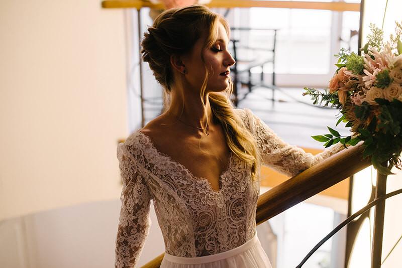 koronkowa suknia ślubna ochocka atelier