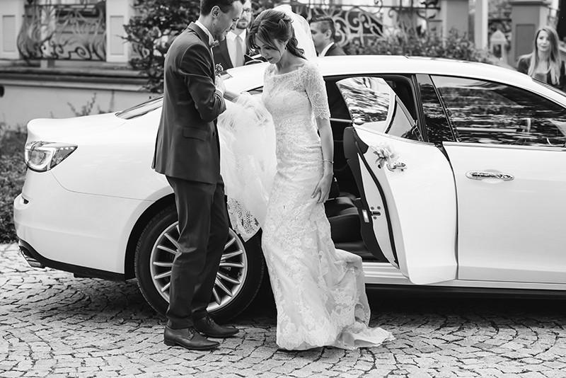 Białe Maserati do ślubu Warszawa