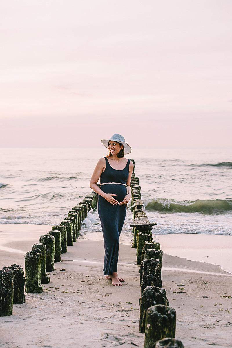 sesja ciążowa nad morzem w Kołobrzegu
