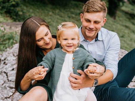 Rodzinna sesja zdjęciowa w Parku Ojcowskim