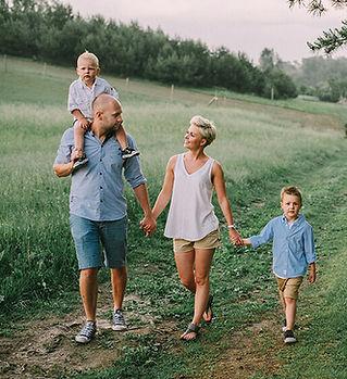 sesja-rodzinna-bytów-fotograf (6).jpg