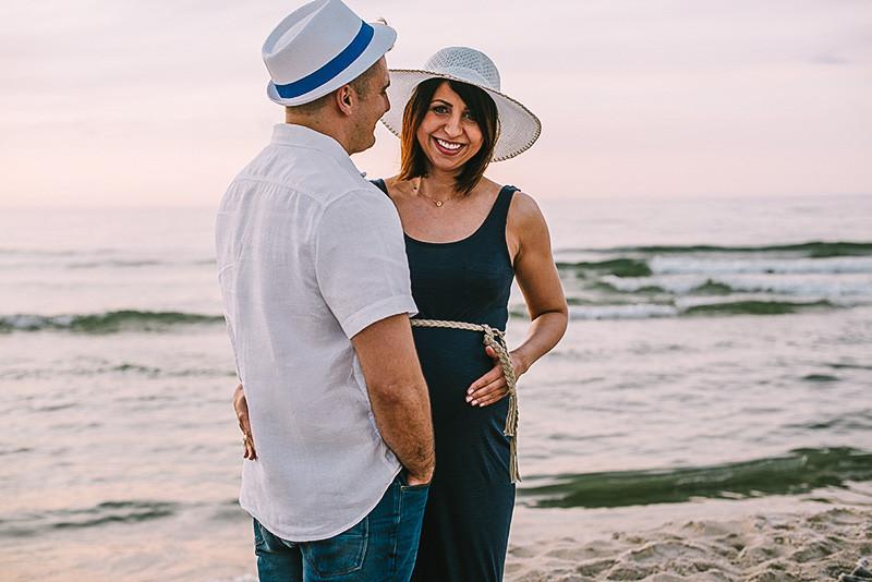 sesja ciążowa na plaży