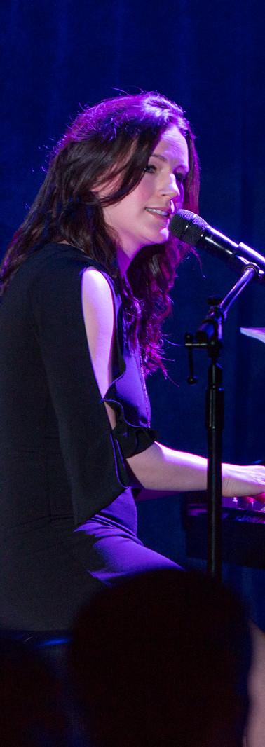 Carrie Manolakos