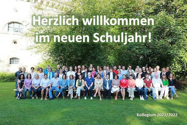Foto_Kollegium 2021-22_Herzlich willkommen.jpg