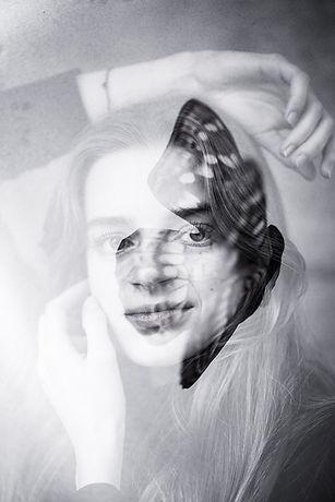 Simona Doppelbelichtung 1.jpg