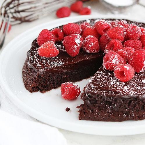 Flourless Chocolate Cake With Fresh Raspberries