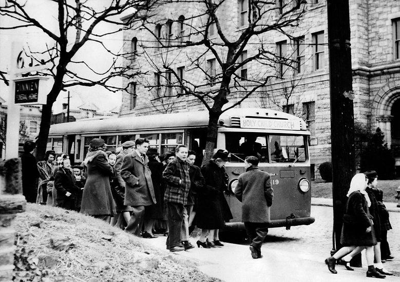 PARISHIONERS BEING TAKEN TO HOLY CROSS CHURCH PHILA., PA 1947 img#100764