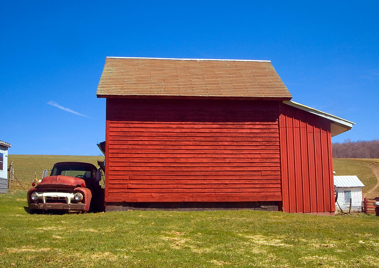 OLD RED PICKUP AND RED BARN #1 img#100111
