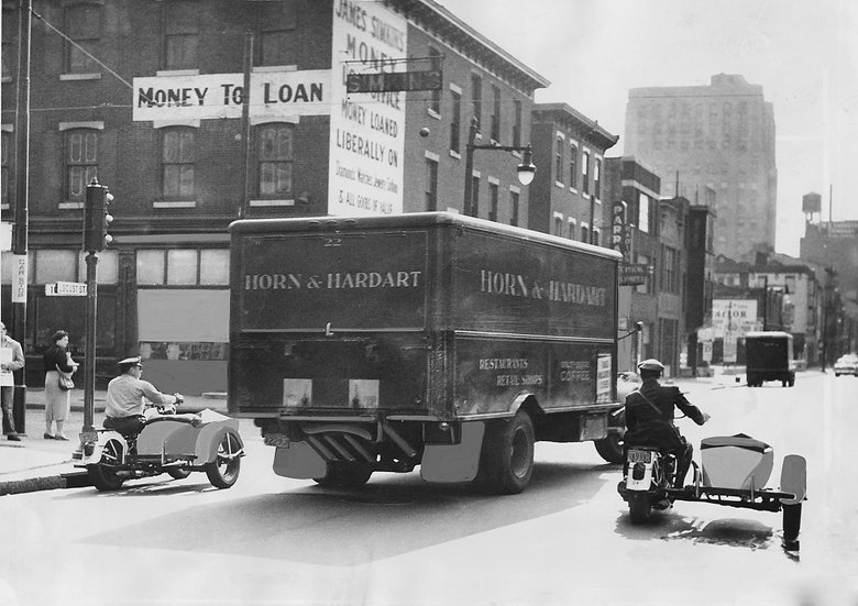 POLICE ESCORT HORN AND HARDARTS TRUCK ON LOCUST ST. PHILA., PA 1955 img#100813