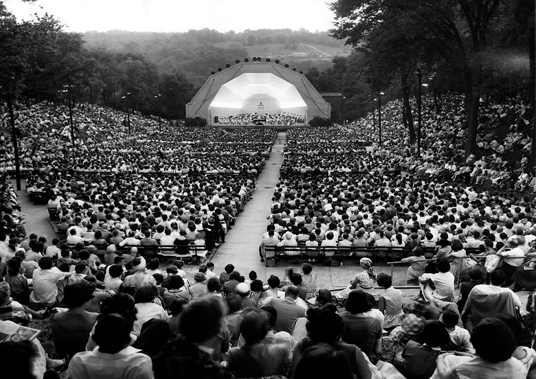 OPEN AIR CONCERT AT THE ROBIN HOOD DELL IN PHILADELPHIA JULY 15, 1956 img#100763