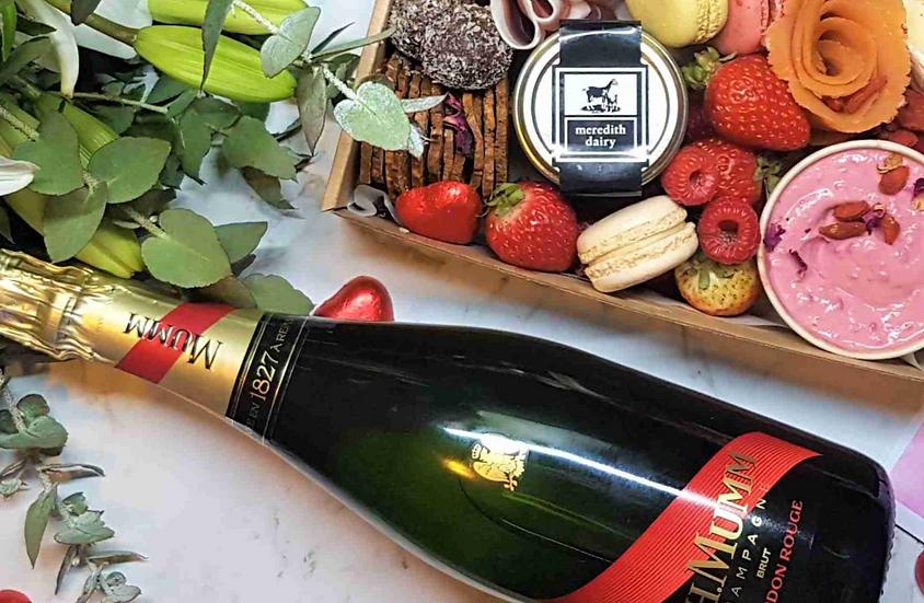 G.H.Mumm Champagne + Card