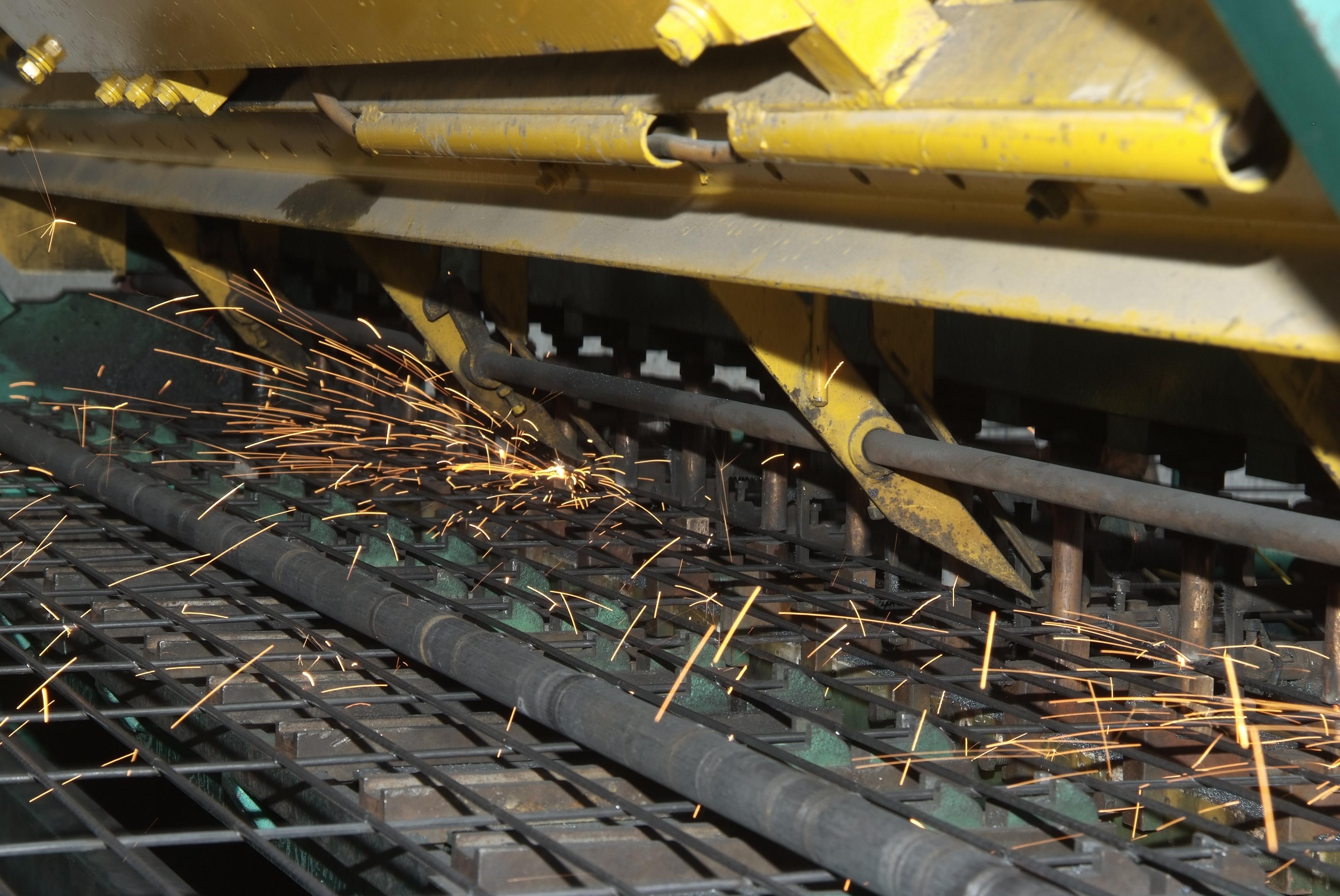 Fine mesh welding.