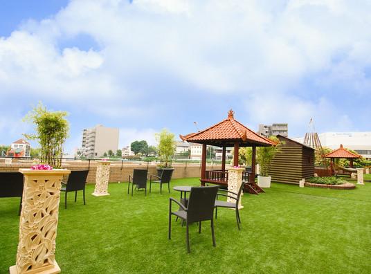 バリアン川崎2Fの空中庭園でBBQができます。