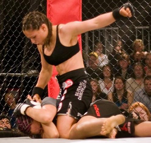 Semaine du sport féminin : zoom sur Gina Carano, championne de MMA