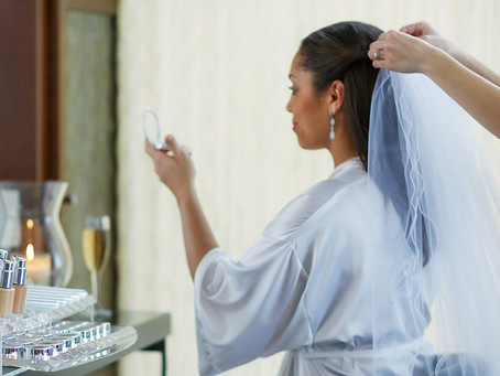 What to Ask When Shopping for a Bridal Makeup Package
