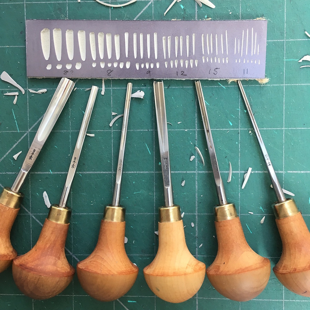 Pfeil linocutting tools LSC set. From left to right they are L 8/7, L 8/3, L 9/2, L 12/4, L 15/2, L 11/0.5