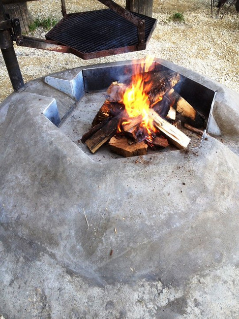ZZ20_das feuer brennt praechtig