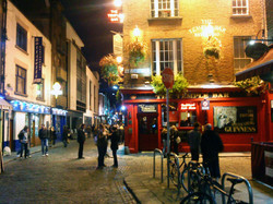 Party like the Irish in Temple Bar