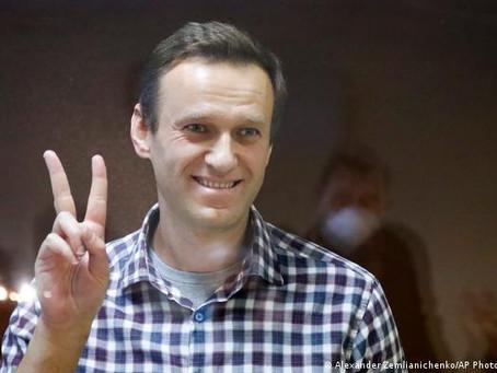Навального переводят из колонии в больницу