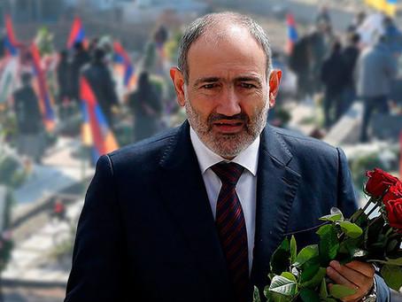 Пашиняну не дали возложить цветы на могилу погибшего солдата