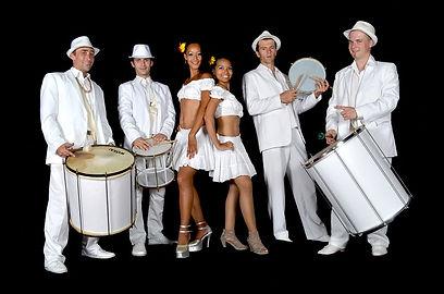 Samba Otimo avec danseuses.jpg