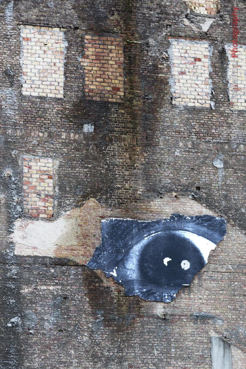 Eye in the Wall.jpg