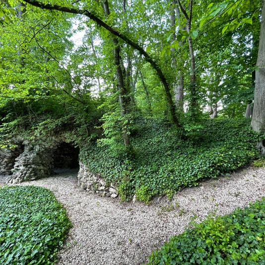Grotte du Château de Précy