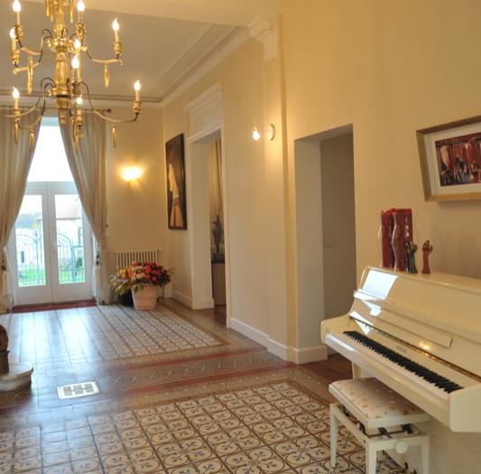 Hall du Château de Précy