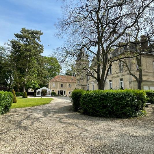 Vue parc du Château de Précy