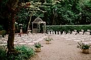 Céremonie laïque dans le parc du Château de Précy