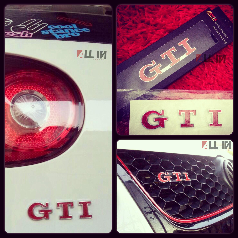 Logo GTI delantero y trasero