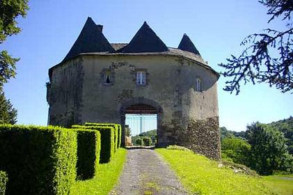 Portail chateau de Comborn