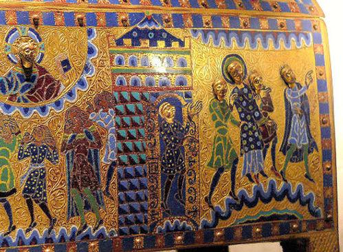 Châsse émaillée de saint Etienne de Gimel-les-Cascades