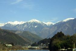 木曽駒ケ岳を望む、木曽谷の地