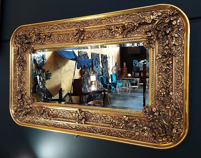 Grande specchiera dorata con cornice floreale - Italia XX sec.