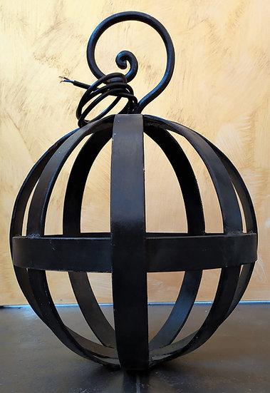 Lampadario sfera in ferro battuto - diam. cm 40