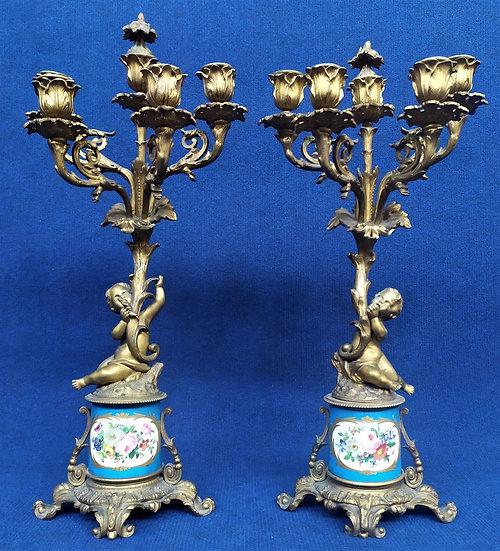 Coppia di candelieri in bronzo dorato e porcellana di Sevres - Francia XIX sec.