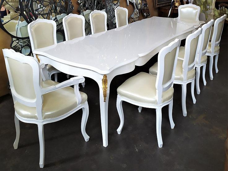 8 sedie + 2 poltrone in legno laccato bianco - XX sec.