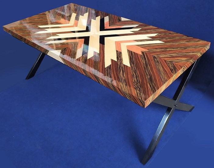 Grande scrivania design in radica e metallo nero