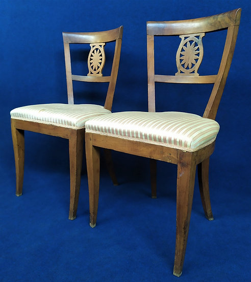 Coppia di sedie Carlo X in noce - Italia XIX secolo