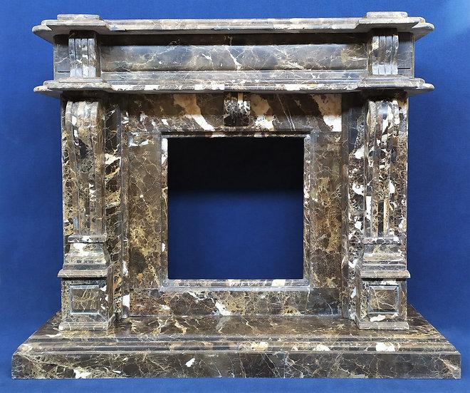 Grande camino stile Luigi XVI in marmo emperador - Italia XX sec.